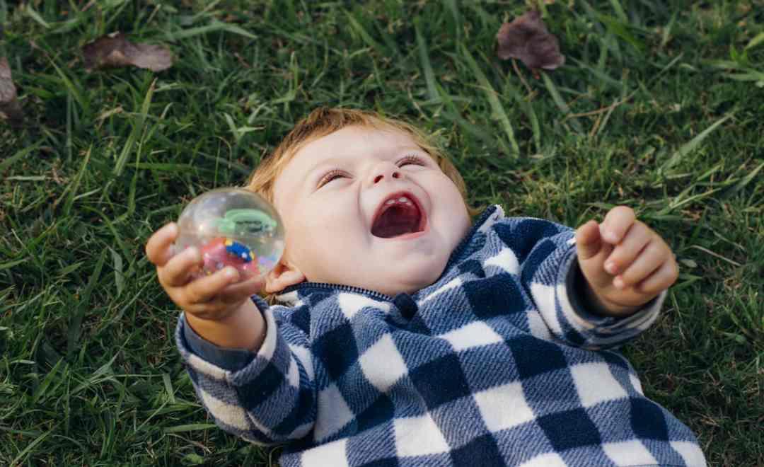bambino-nato-segno-gemelli-caratteristiche