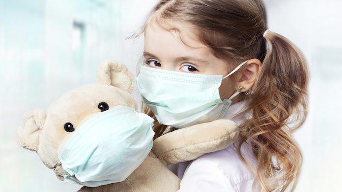 bambini e mascherine